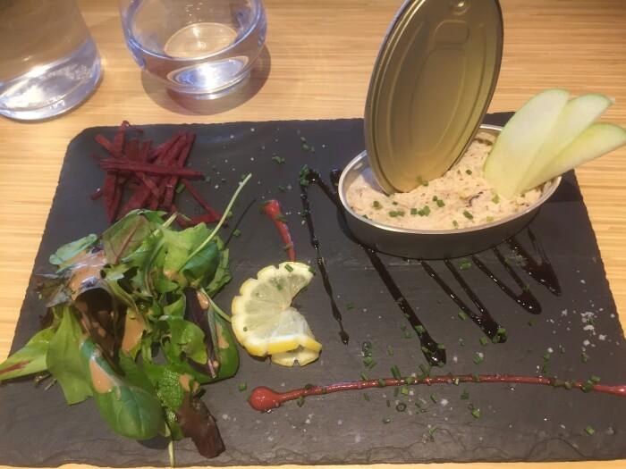 Tartare à la chair de crabe - restaurant 2 potes au feu - Nantes