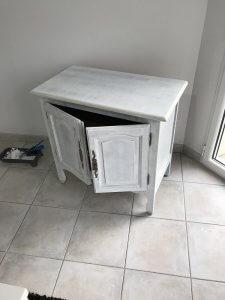 Après 1ère couche de peinture meuble bois