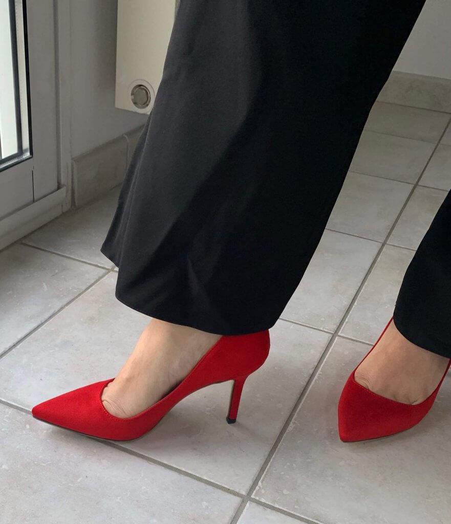Chaussures et bas de combinaison de soirée